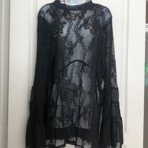 Torrid plus size 3X lace top with bell sleeves